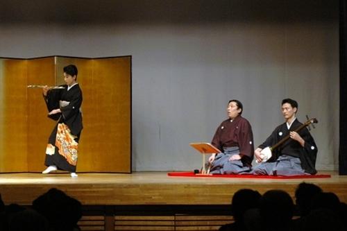 2011年に行われた「日本舞踊」での様子です